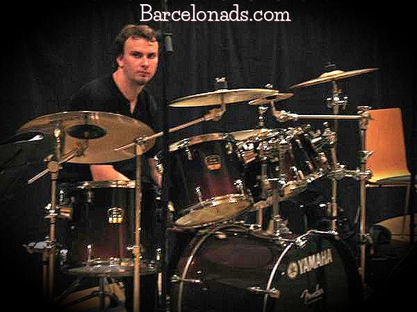 Drumming clases in English language in Barcelona