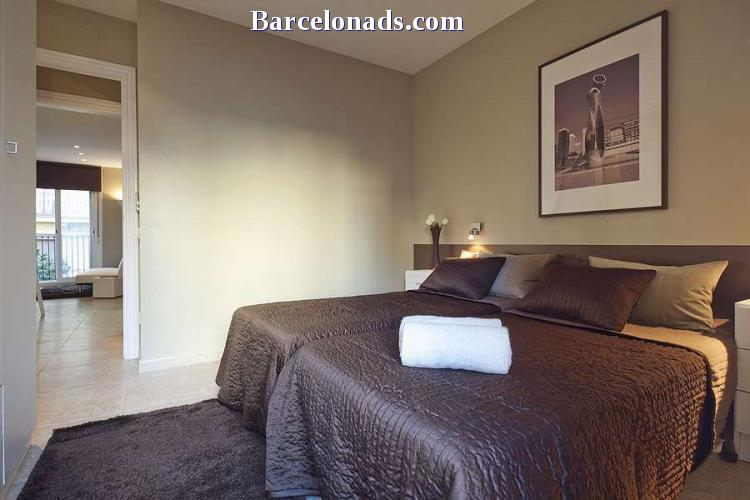 APARTMENT WITH BALCONY IN THE CENTER OF BARCELONA BHM-034 #1