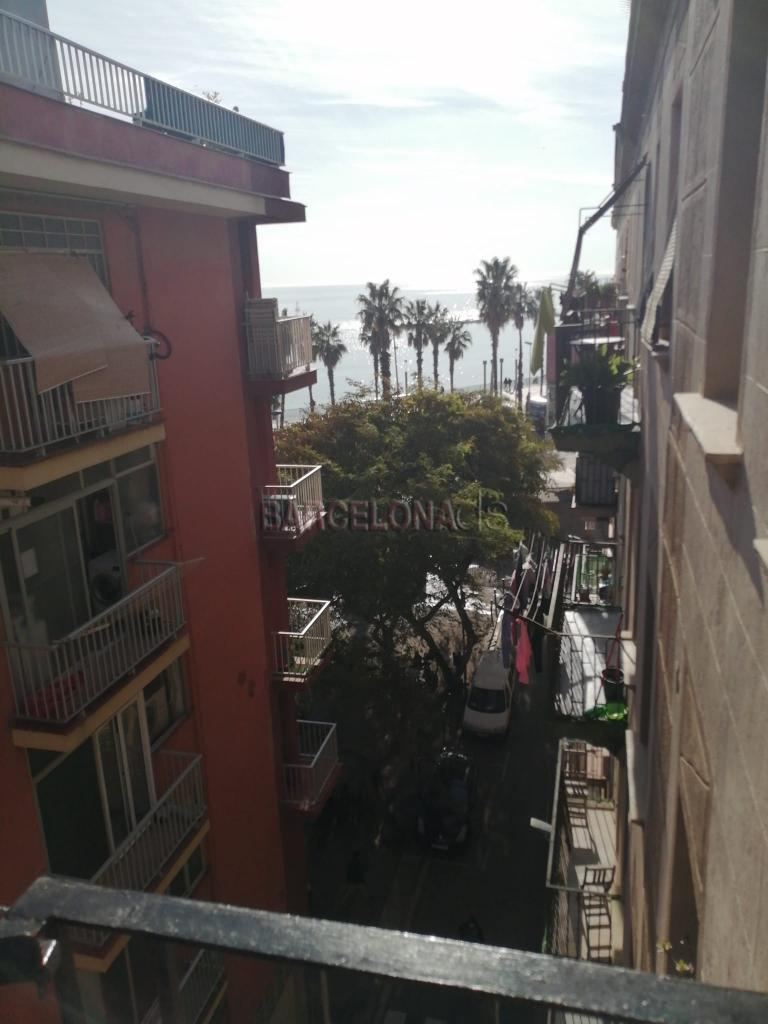 Room To Let (Short Term) Barceloneta by the beach. Sea View. #1