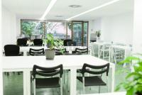 Start2bee coworking & events spaces (travessera)