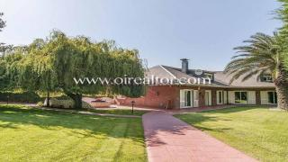 Exclusiva casa familiar en venta en Valldoreix, Sant Cugat