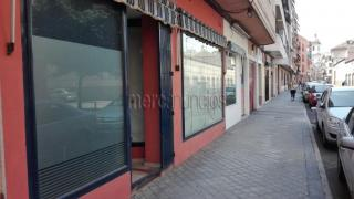 Se vende local comercial centrico