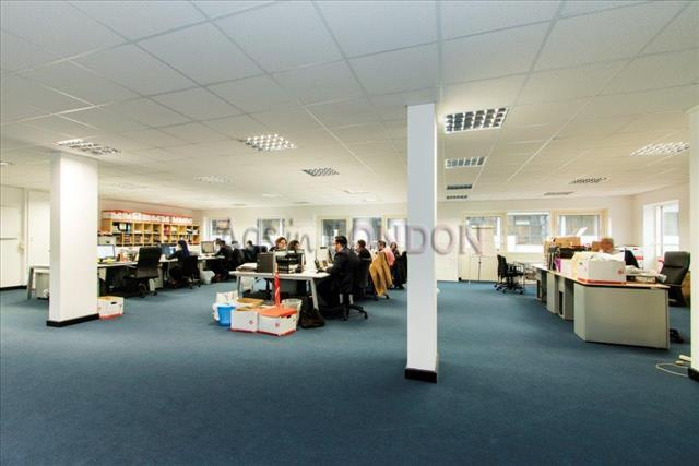 Large office available in Canary Warf #1
