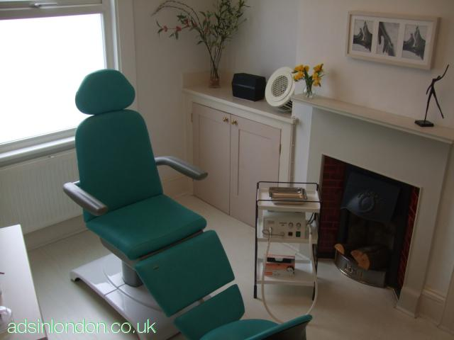 CHIROPODY FIRST - 020 8684 4293 or 07952 008 162