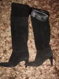 ARMANI OVER THE KNEE BLACK LEATHER/SUEDE BOOTS  £60.00 07500 683179